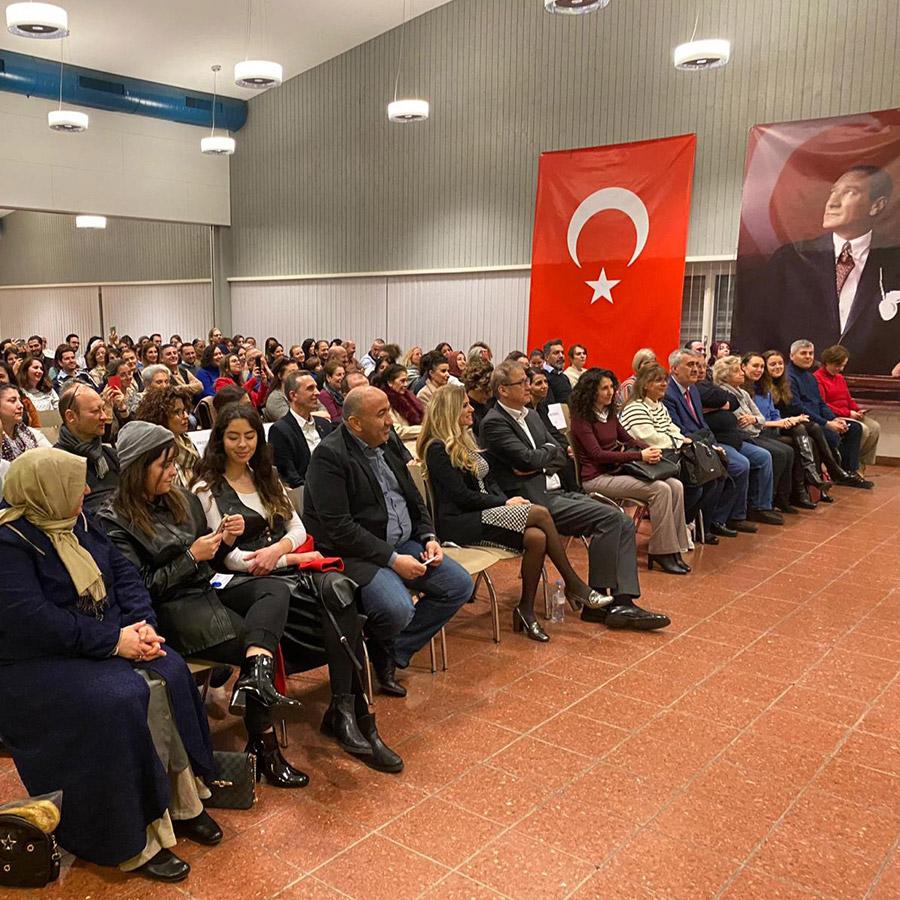 Üstün Dökmen Zürih Konferansı 2020 (1)